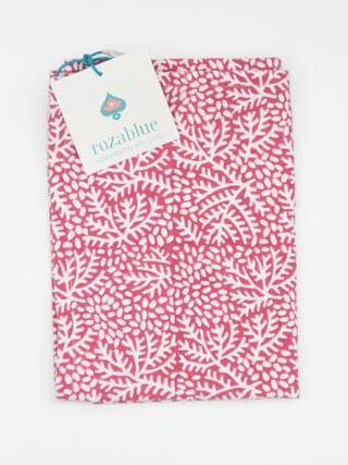 theedoek rozablue floral raspberry