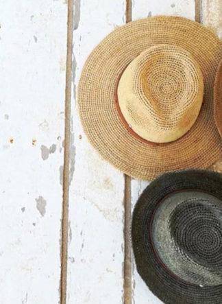 hoeden gemaakt van stro