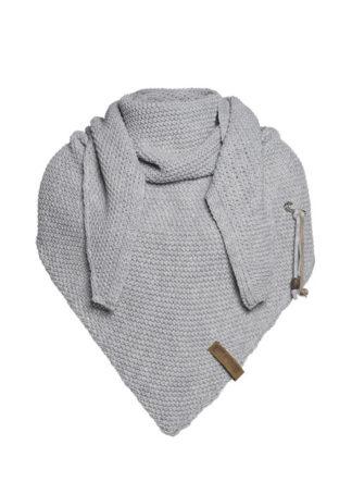 knit factory coco omslagdoek licht grijs