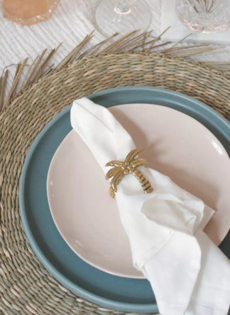 Servetring van A La met palmboom