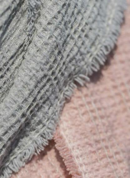 detail mare plaid